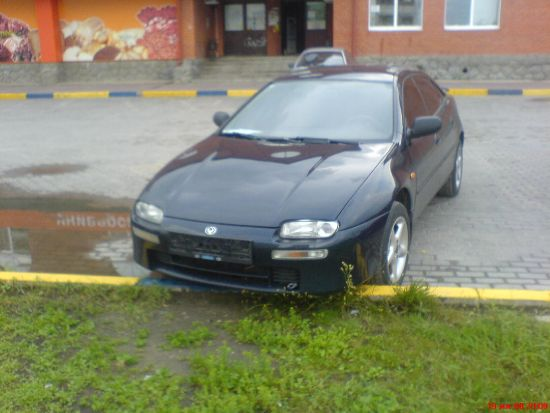2000 Mazda 323f. 11.000 USD 2000 Mazda 323f